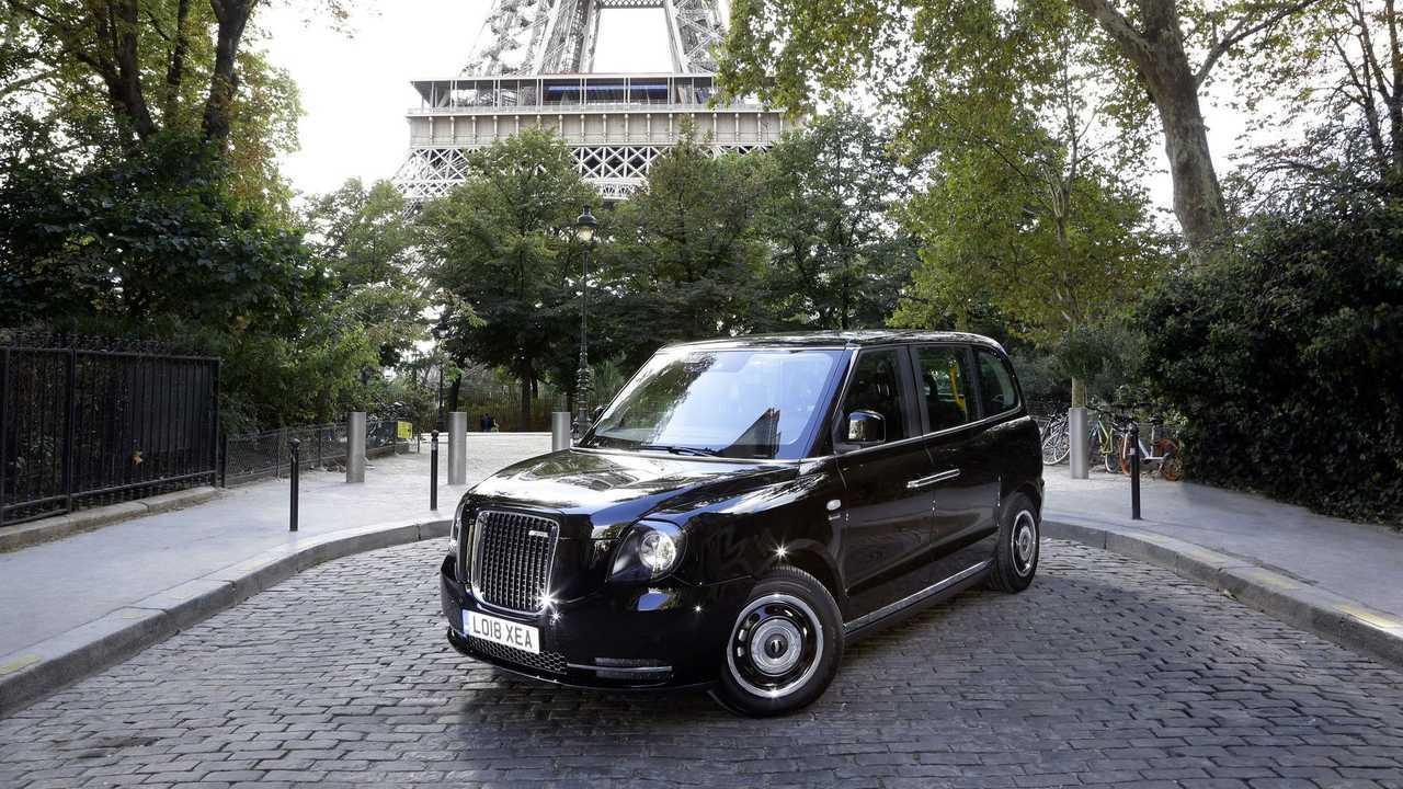 London Taxi LEVC TX eCity in Paris