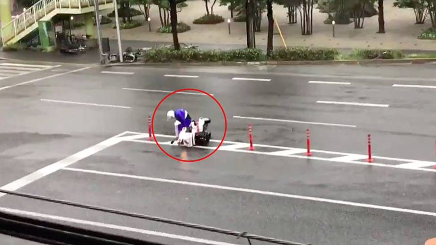Heroic Pizza Guy Battles Typhoon to Make Delivery