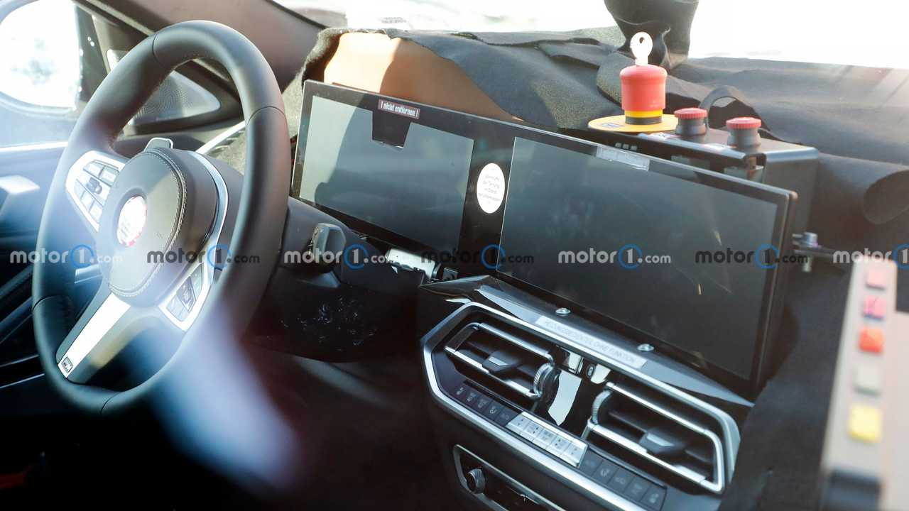 BMW X6 spy photo (interior)