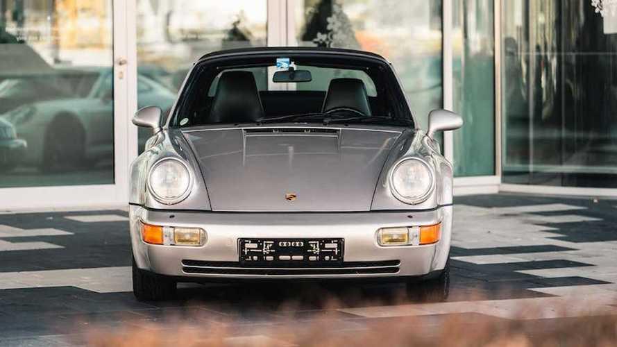 Porsche 911 (964) Cabriolet Turbo Look (1992) von Diego Maradona