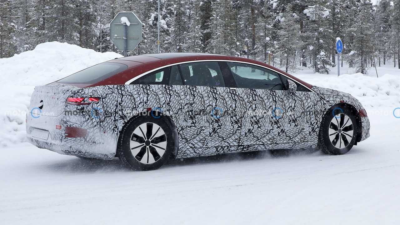 2022 Mercedes EQS spy photo