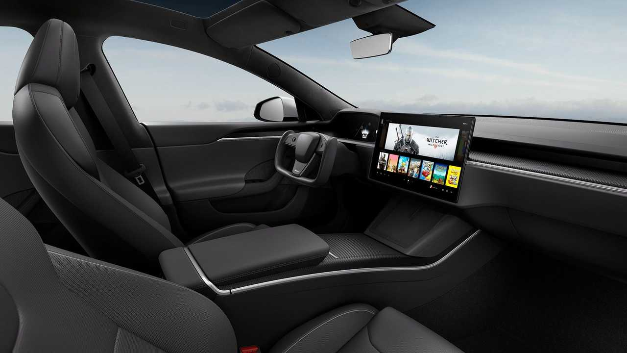 Das geliftete Tesla Model S hat keinen Wahlhebel mehr, die Fahrmodi werden per Touchscreen aktiviert
