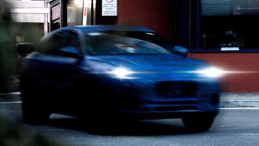Maserati показала компактный кроссовер. Он получит электроверсию
