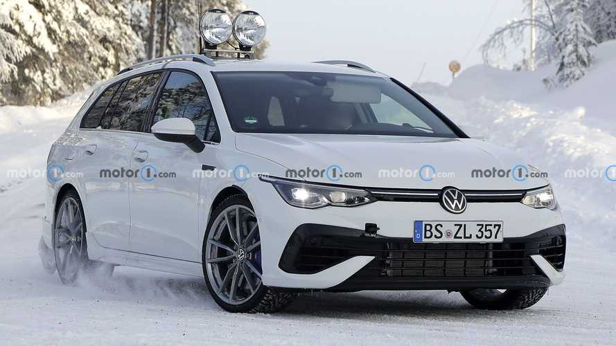 2022 Golf R Wagon Spy Photos Show Long-Roofed VW Testing In The Snow