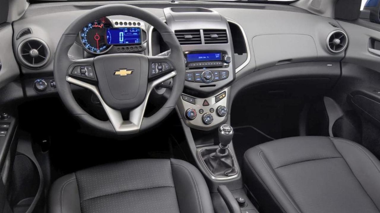 Kelebihan Chevrolet Aveo 2011 Spesifikasi