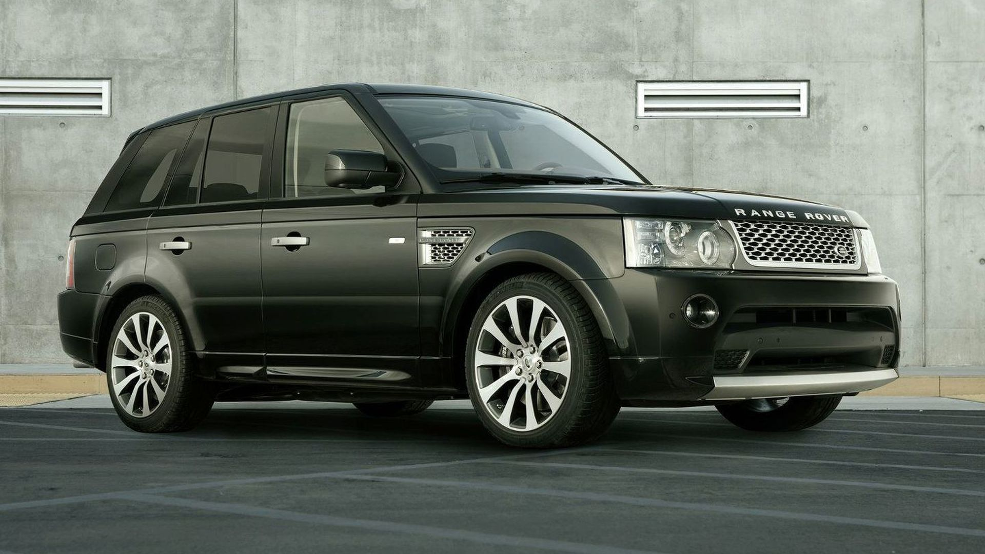 https://cdn.motor1.com/images/mgl/kAL6e/s1/2009-188816-range-rover-sport-autobiography-limited-edition1.jpg