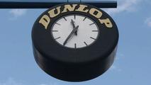 The famous Dunlop clock at the Donington start/finish straight, 27.07.2003, Castle Donington, UK