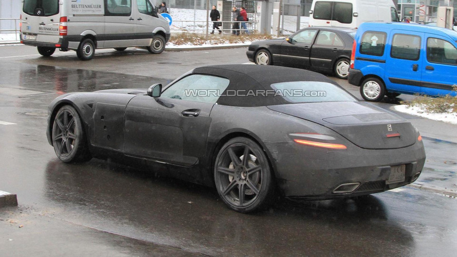 2012 Mercedes SLS AMG Roadster spy photos - 12.16.2010