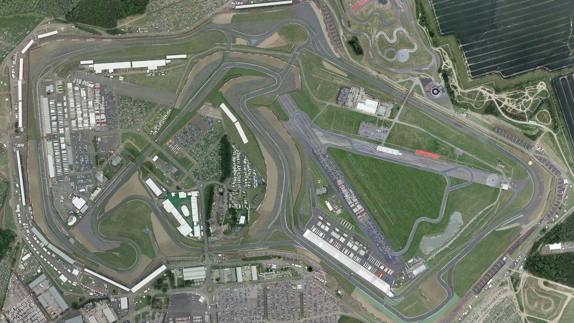 Circuito Silverstone : Hill slams silverstone s new arena layout