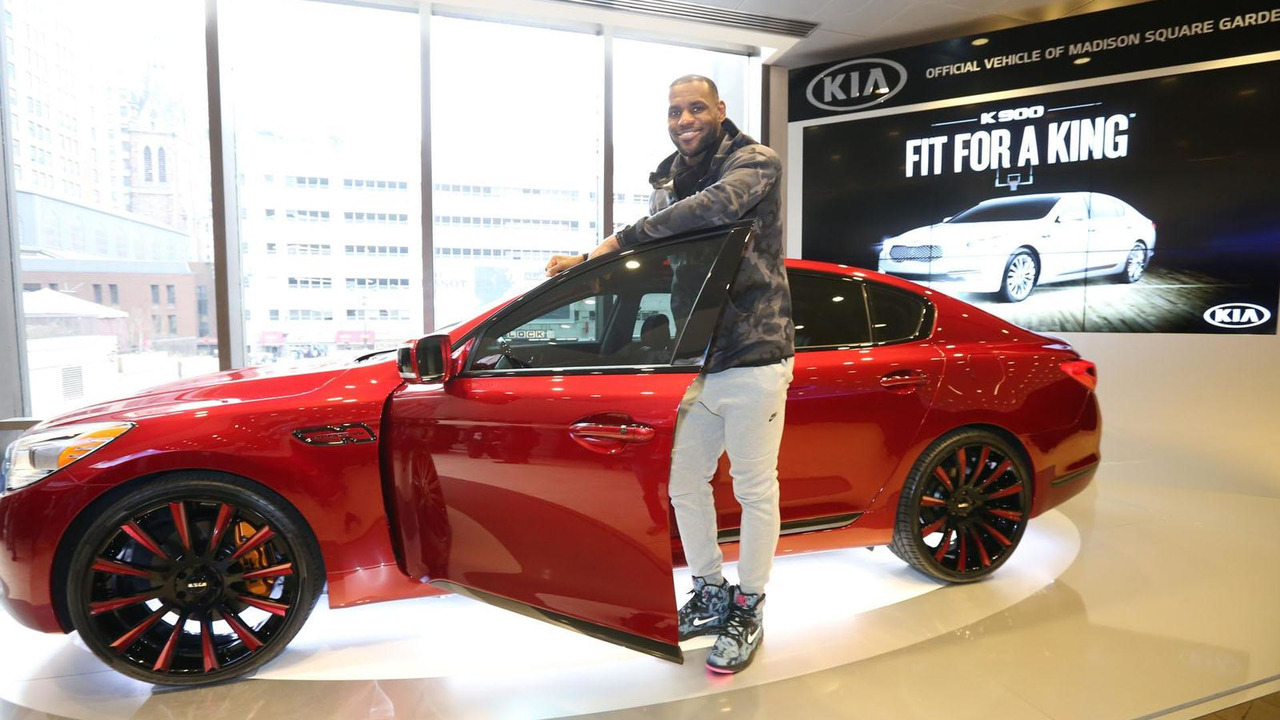 Kia K900 King James Edition