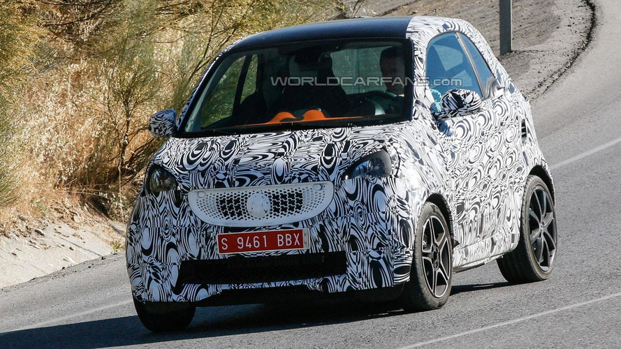 2015 smart fortwo brabus spied could have up to 120 ps. Black Bedroom Furniture Sets. Home Design Ideas