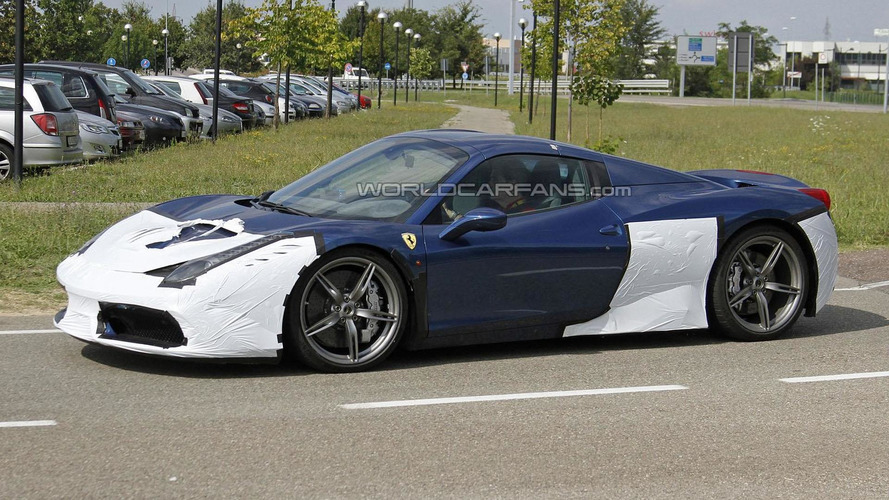 Ferrari 458 Speciale Spider spied