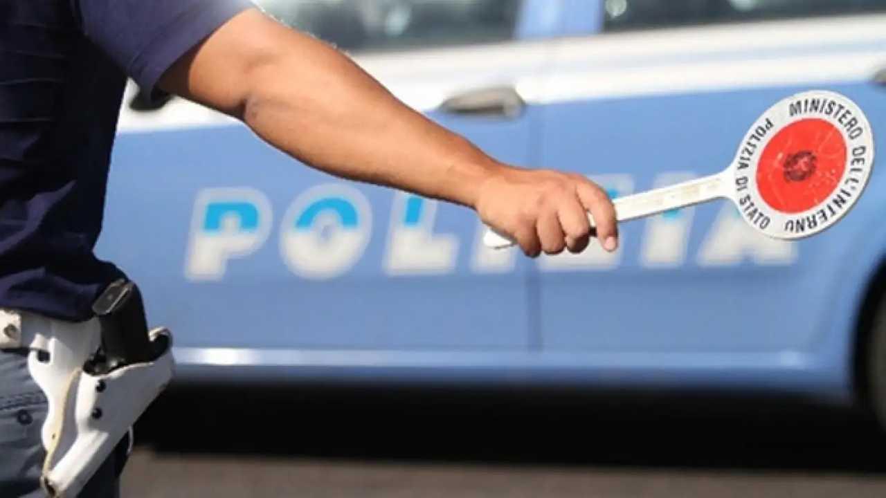 Segnalare i controlli di polizia sui social: possibile denuncia!