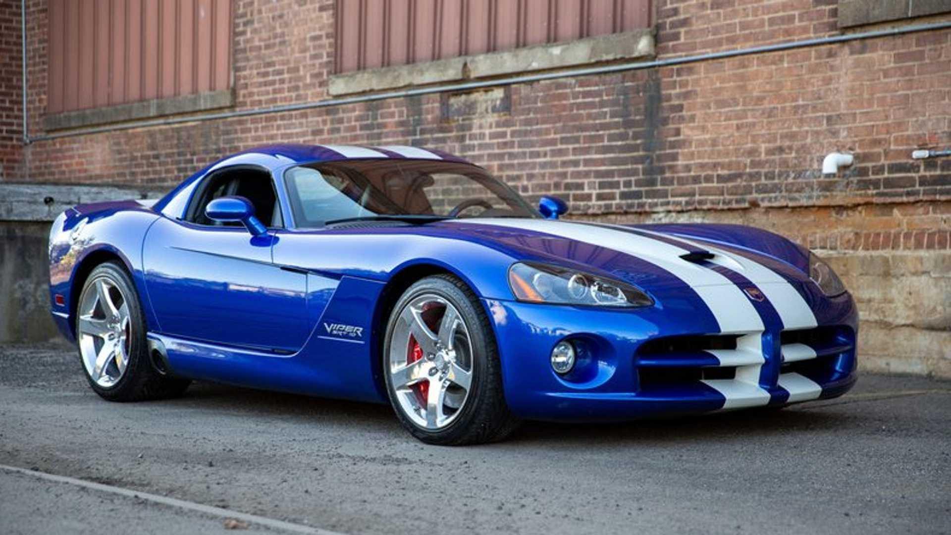 "[""Supercharged 2006 Dodge Viper GTS Is The Ultimate American Supercar""]"