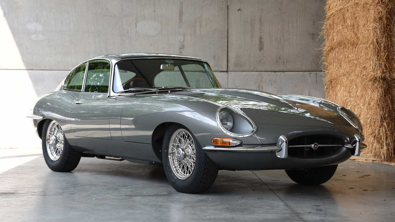 Jaguar E-Type Series I 4.2 #10 restored