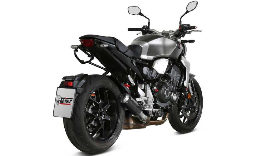 Honda CB1000R: tre nuovi scarichi firmati MIVV