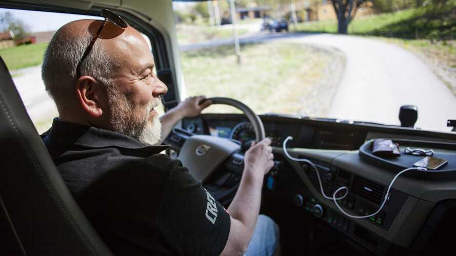 """""""Guidiamo sicuro"""", la formazione per camionisti certificata dall'Albo"""