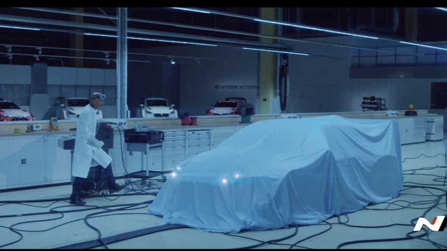 Hyundai выпустила свою версию фильма «Назад в будущее»