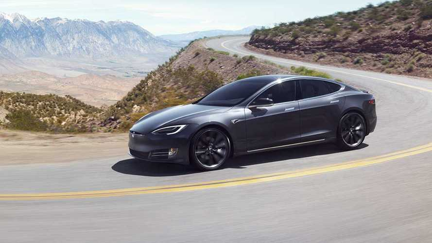 Videó: körrekordot döntöttek a Tesla Model S-sel
