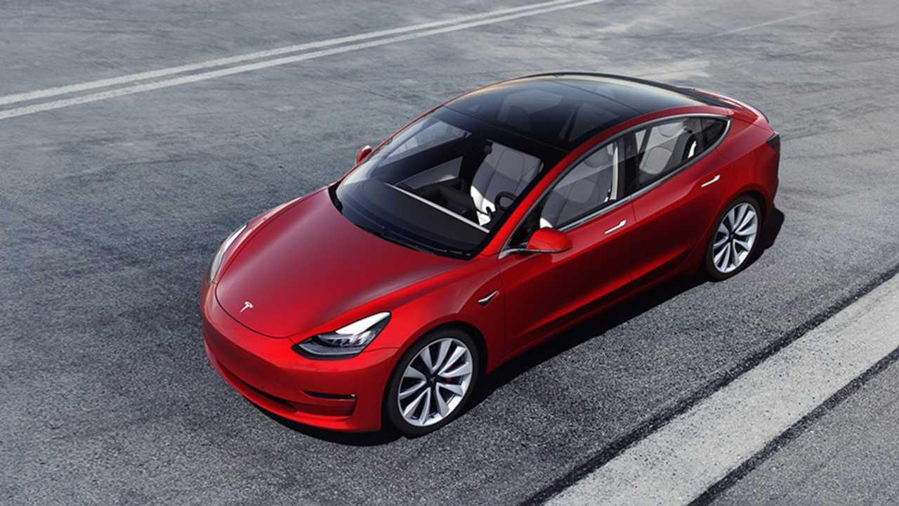 Tesla Model 3 (560 km)