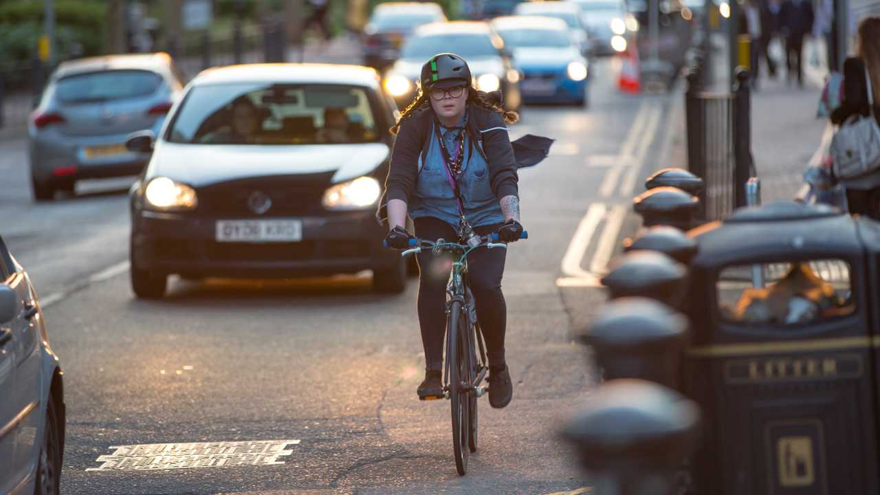 Londoners commuting by car and bike