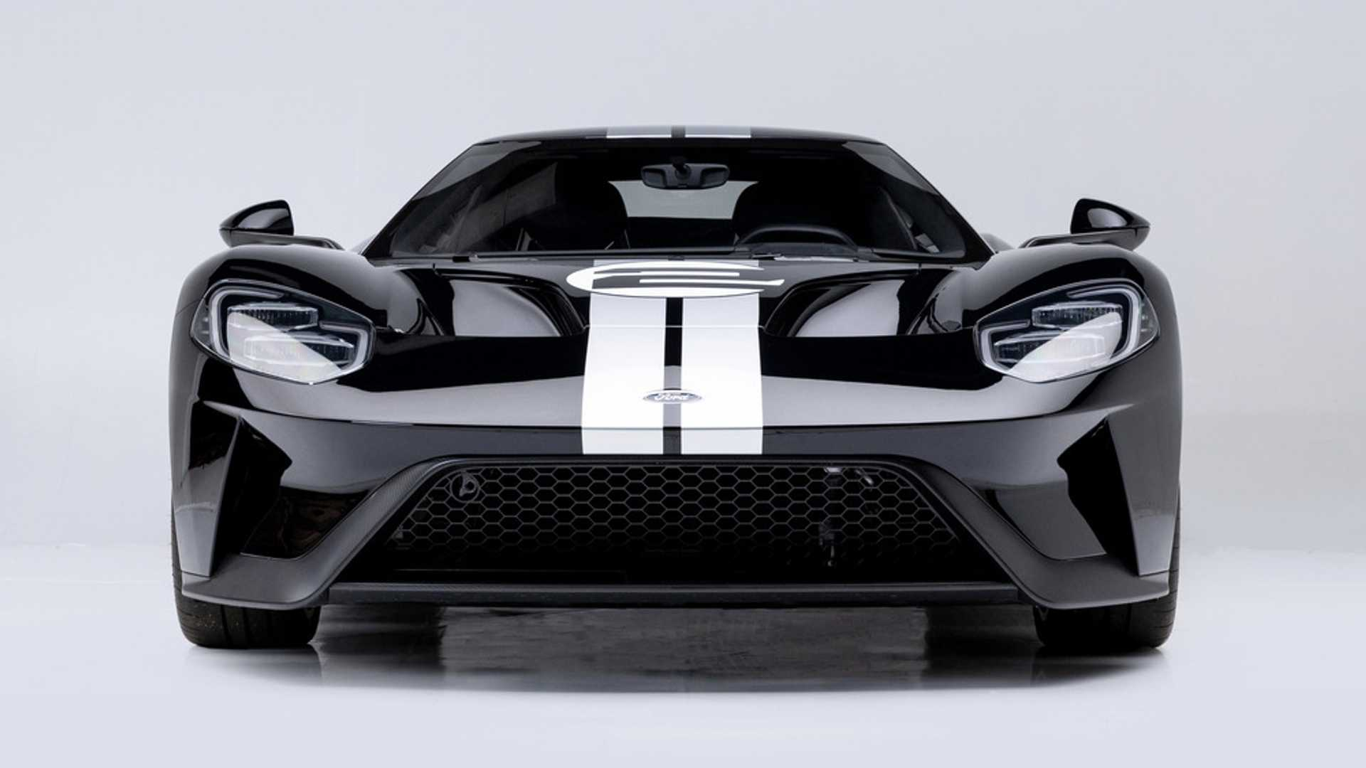 "[""2017 Ford GT Sells for $1.54 Million, Proving Rising Prices""]"