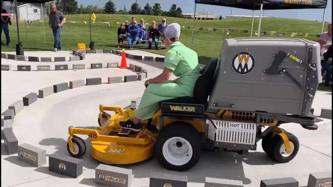Autocross Lawn Mower