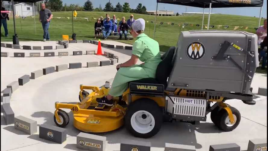 Watch This 15-Year-Old Girl Autocross A Lawnmower Like A Boss