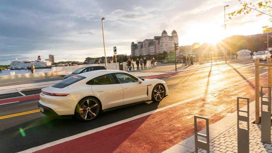 500 új alkalmazott felvételével gyorsítaná a Taycan gyártását a Porsche