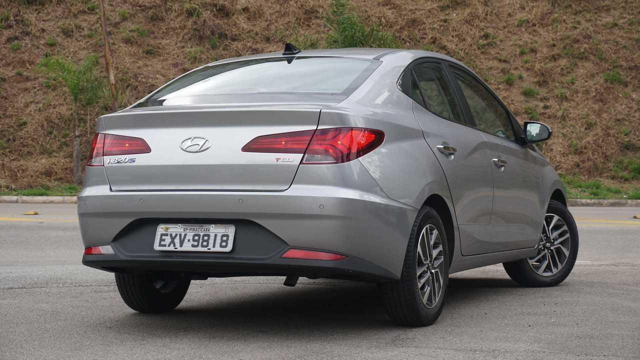Comparativo - Chevrolet Onix Plus vs. Hyundai HB20S