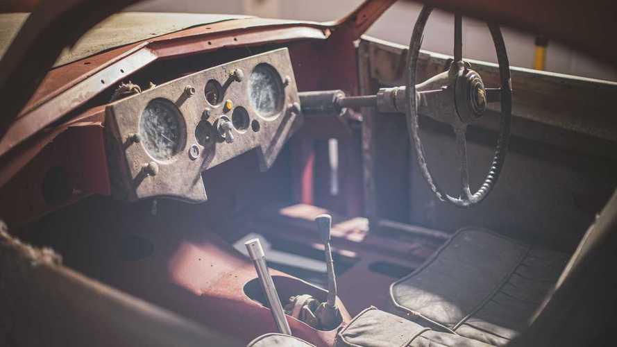 Jaguar XK120 abandonado