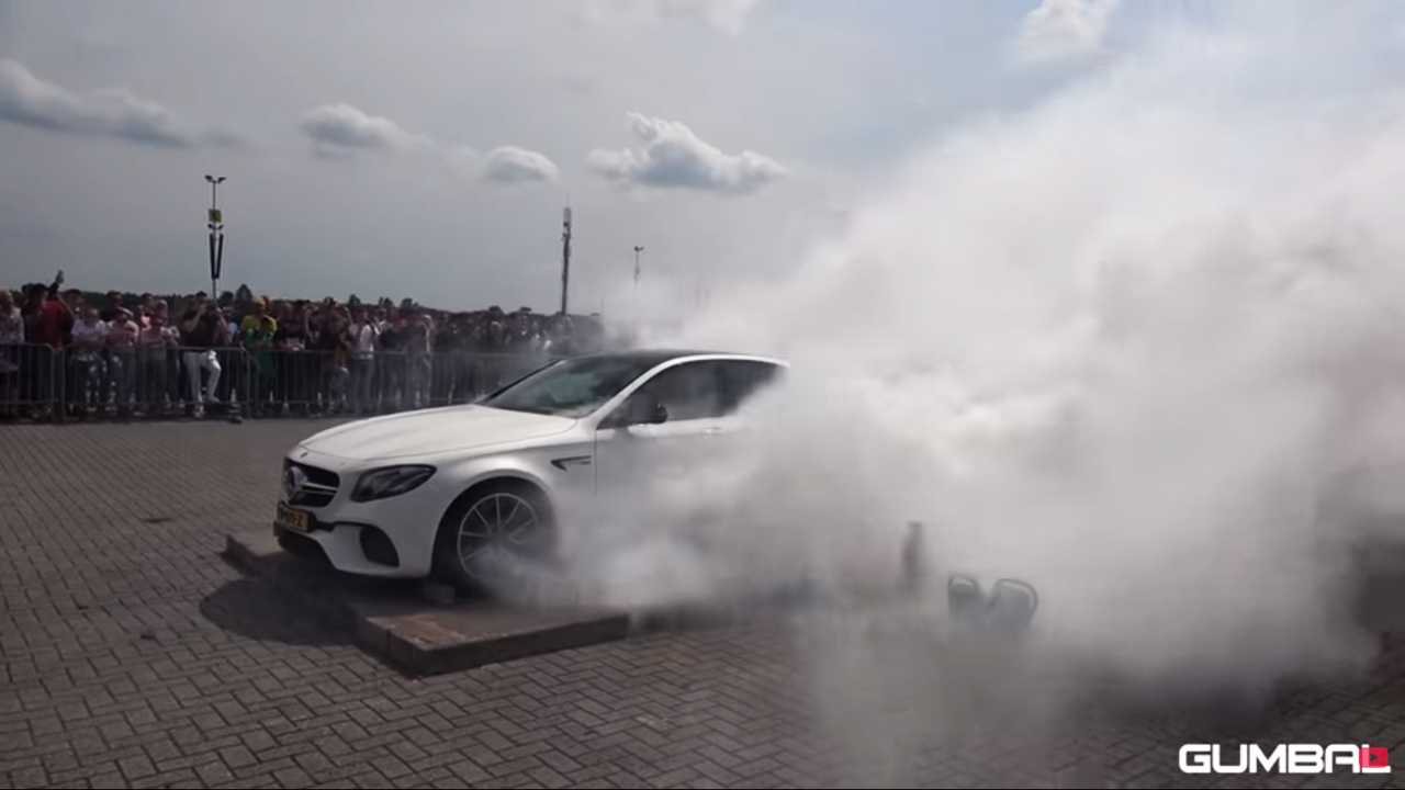 Mercedes-AMG E63 Burnout