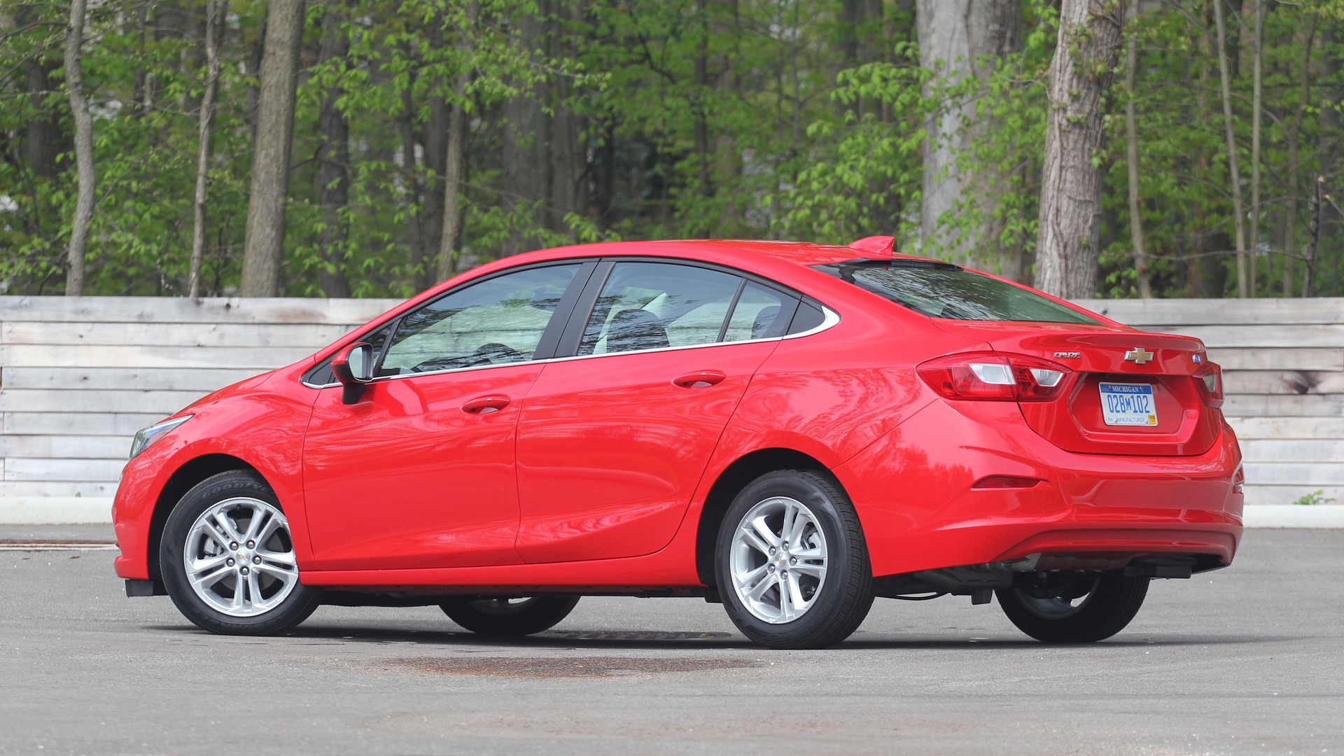2018 Chevrolet Cruze RS Diesel Hatchback Reviewed - 52MPG ...