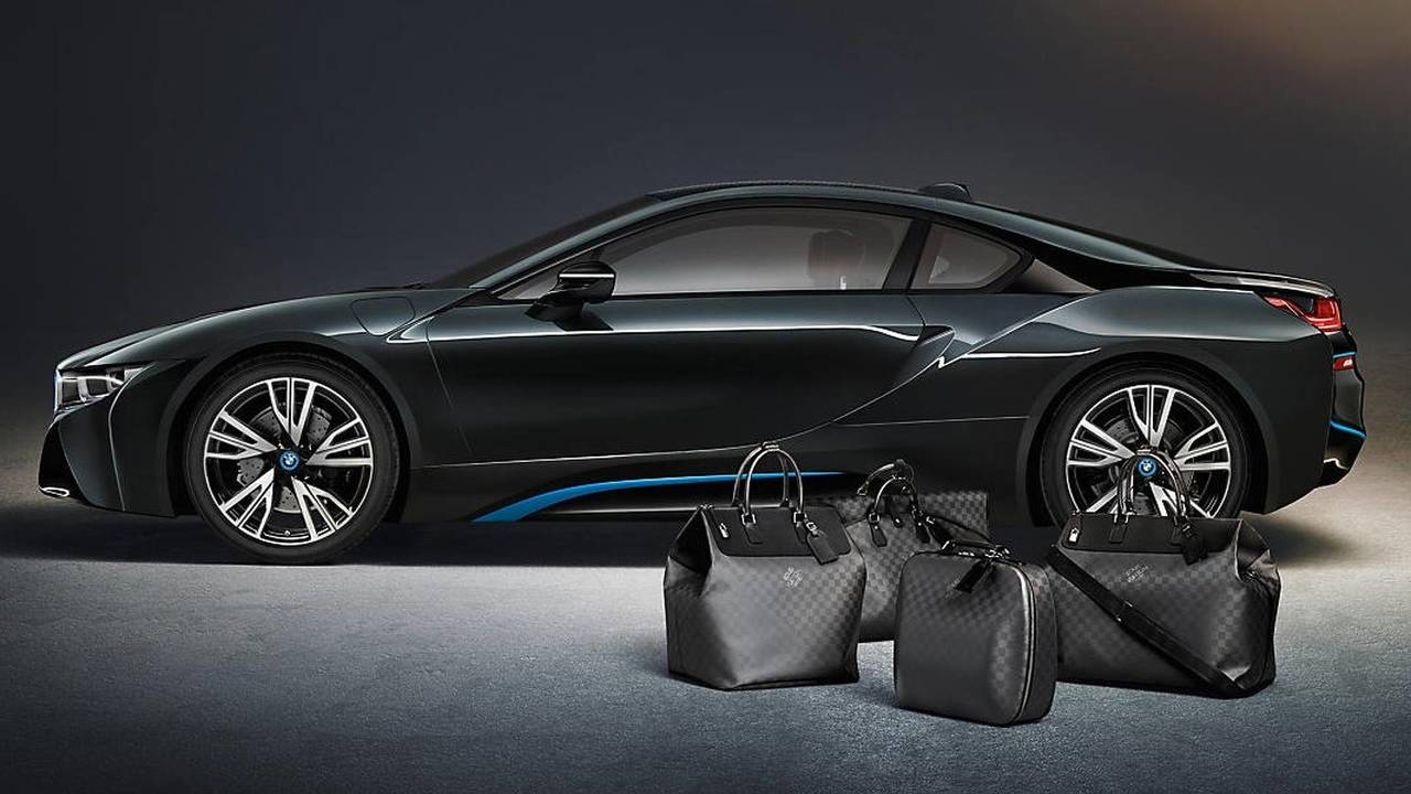 BMW i8, maletas Louis Vuitton