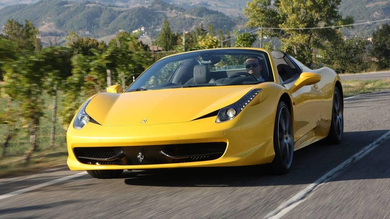 Ferrari 458 Spider jaune