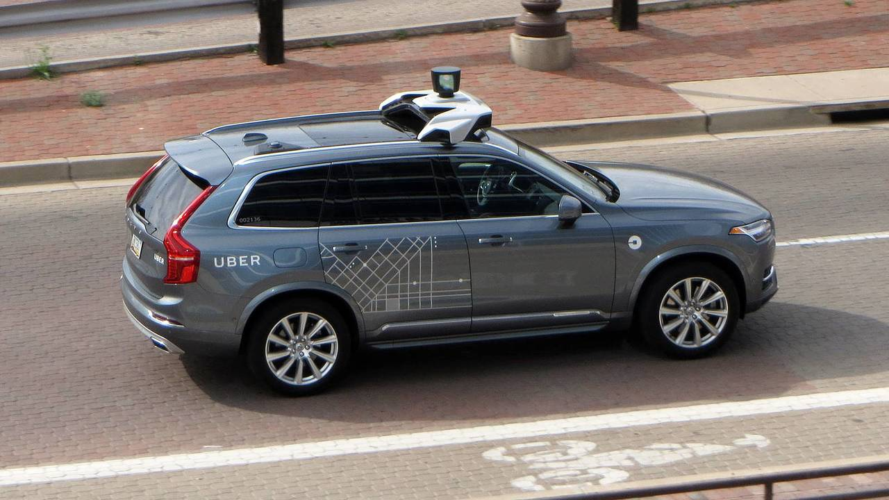 Uber a guida autonoma