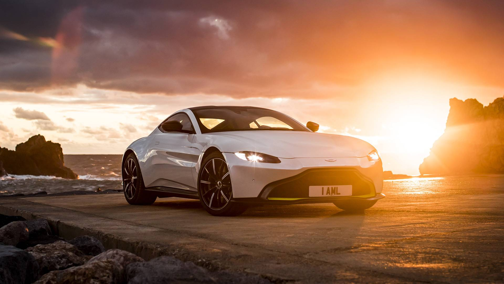 2019 aston martin vantage first drive: fun in no sun
