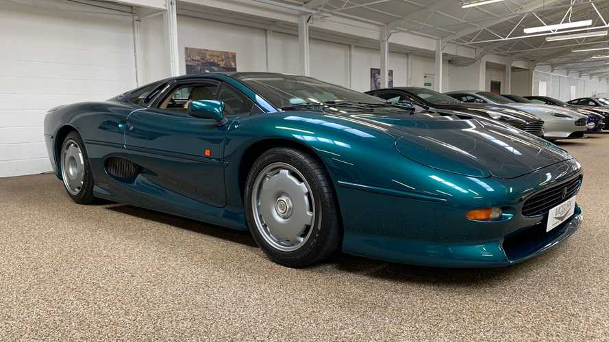 Time-warp condition Jaguar XJ220 for sale