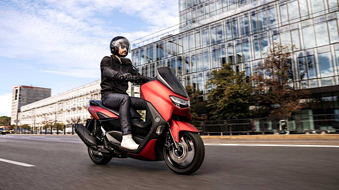 2021 Yamaha NMAX - Red - Right Side Riding