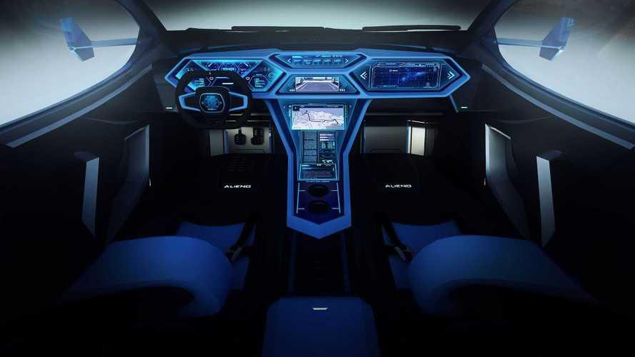 El interior del Alieno Arcanum es en su mayoría pantallas digitales