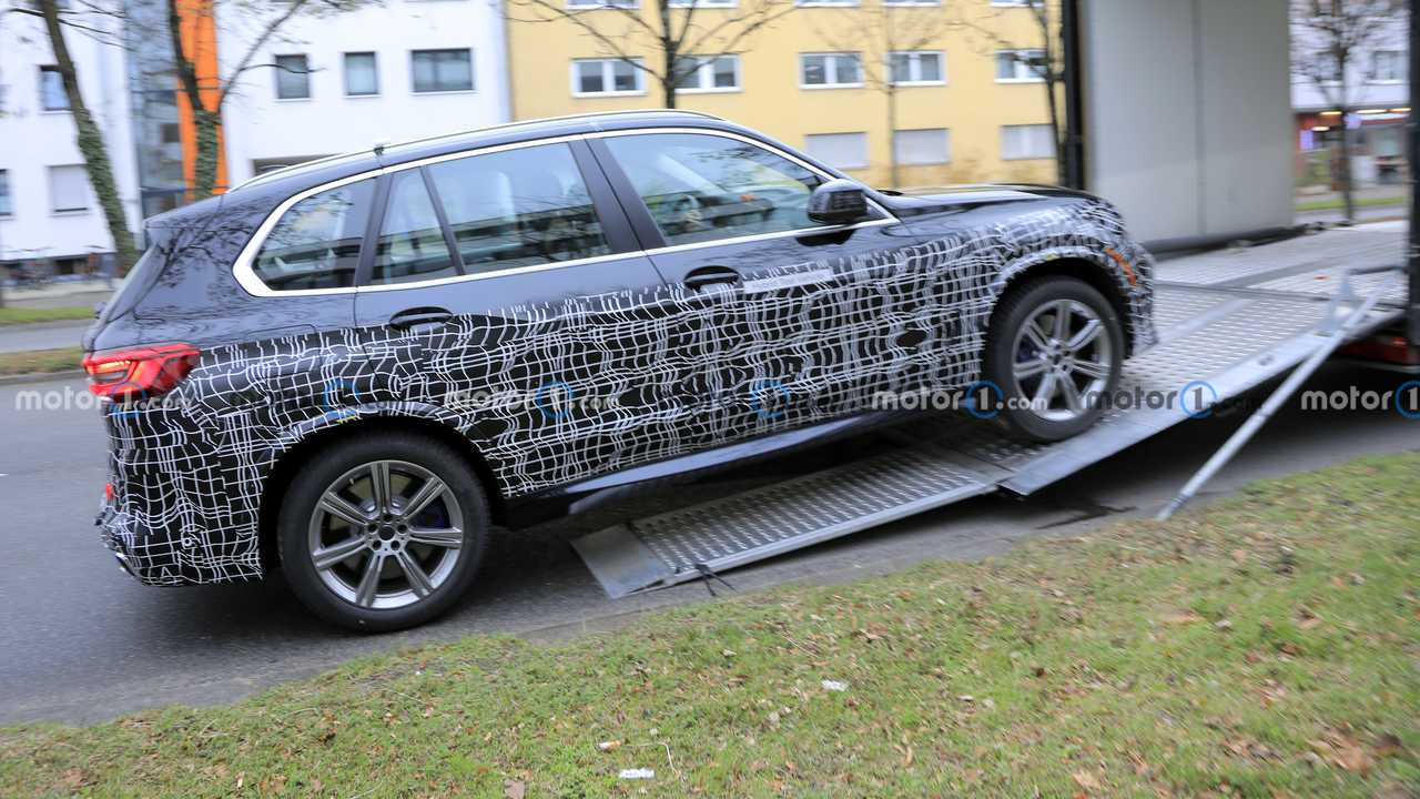 BMW X5 prototype spy photo