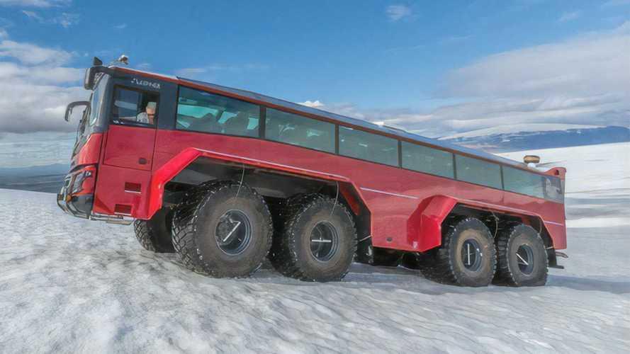 Con este autobús 8x8 islandés, Filomena no te habría detenido