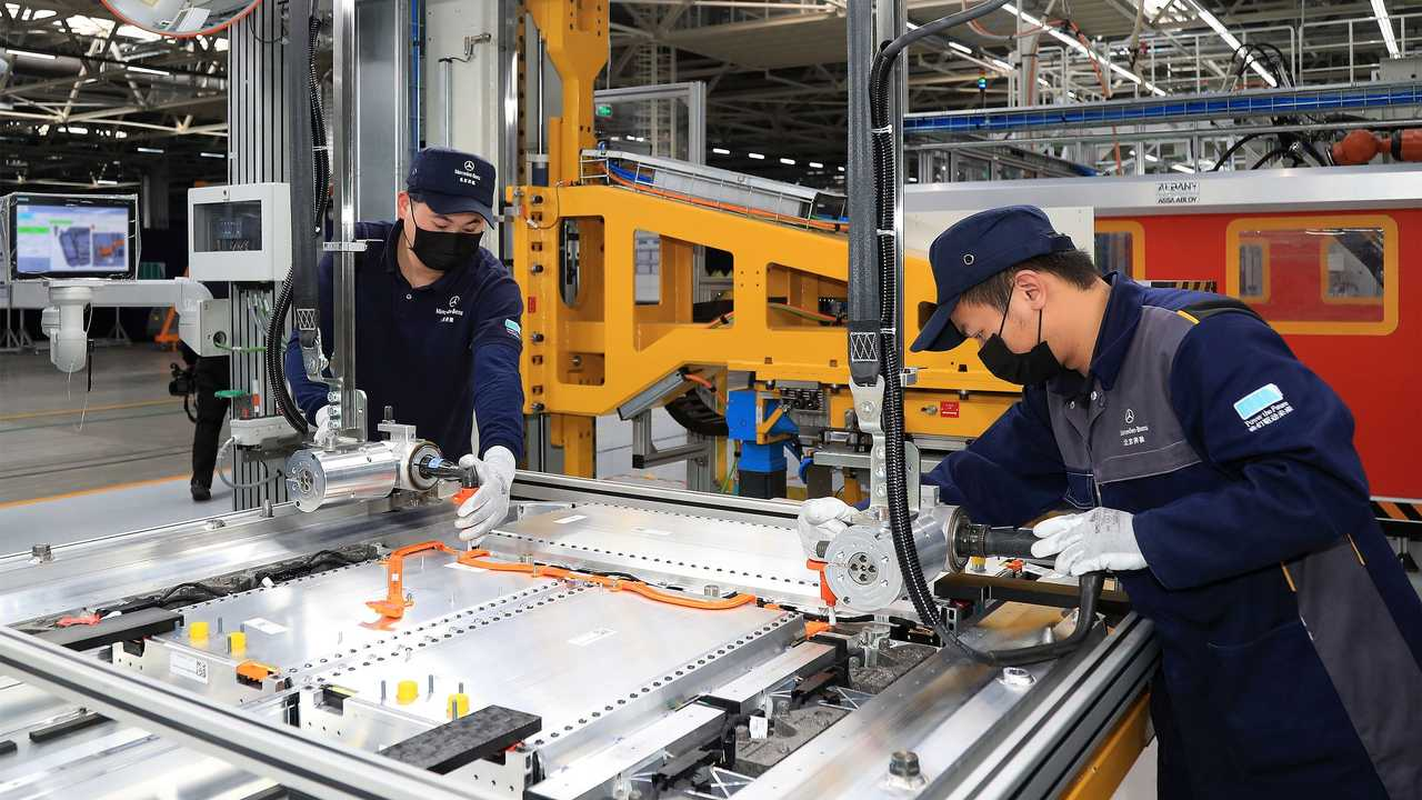 Mercedes-Benz EQC battery pack production in China
