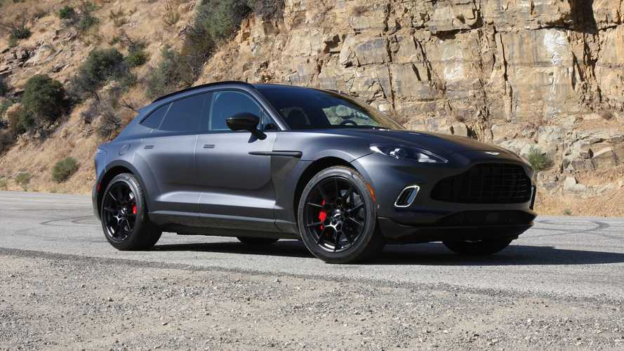 Aston Martin DBX, la prova su strada