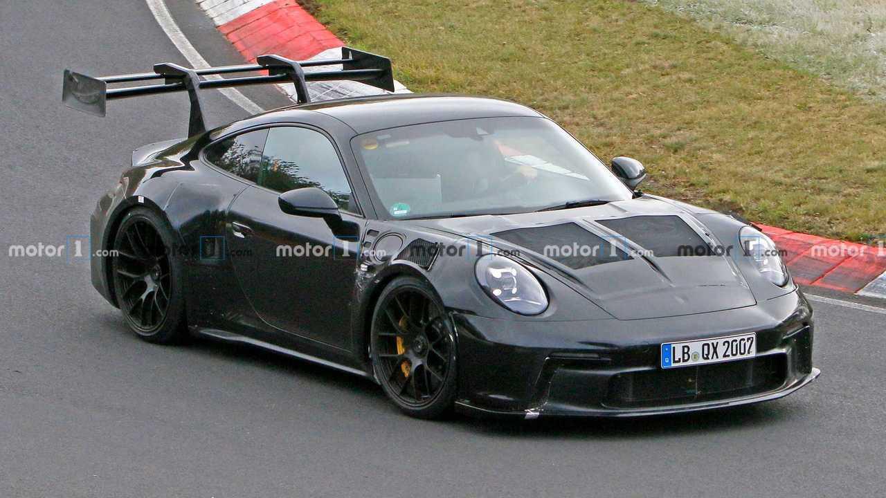Porsche 911 GT3 RS 992 Spy Photo avant