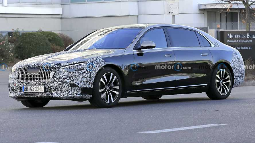 2021 Mercedes-Maybach S-Class Spied Looking Snazzy With Little Camo