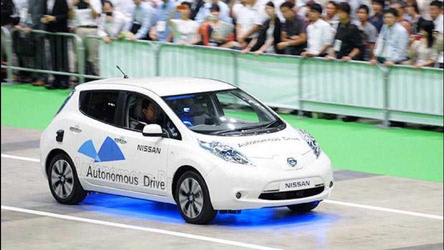 Nissan Leaf, in azione l'auto che guida da sola [VIDEO]