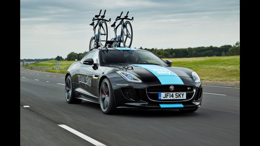 Jaguar F-Type Coupé, anche con portabici