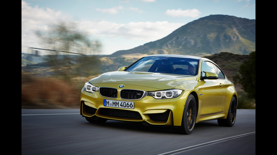 BMW M4 Coupé, l'acrobata della portaerei [VIDEO]
