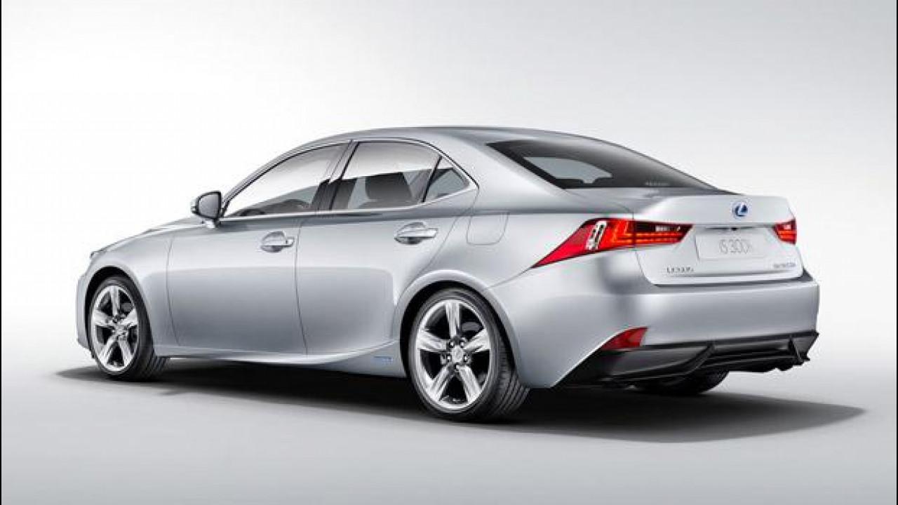 [Copertina] - Nuova Lexus IS Hybrid, l'ibrida che ha voglia di sport